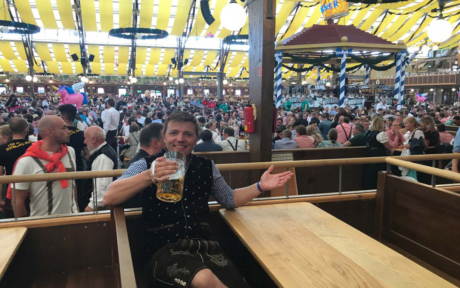 fritsch-tschaidse_architekten_Wiesn_02