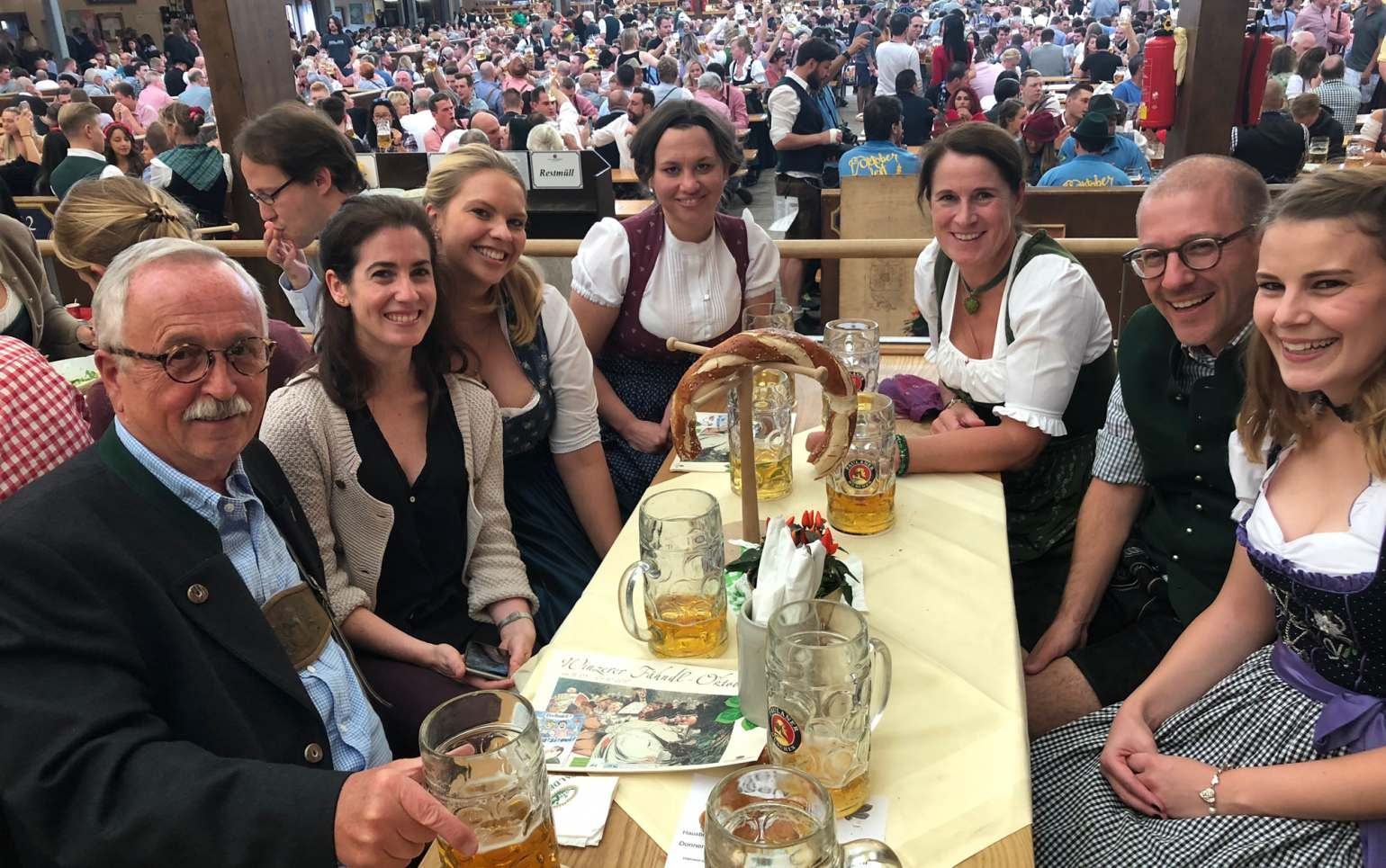 fritsch-tschaidse_architekten_Wiesn_03